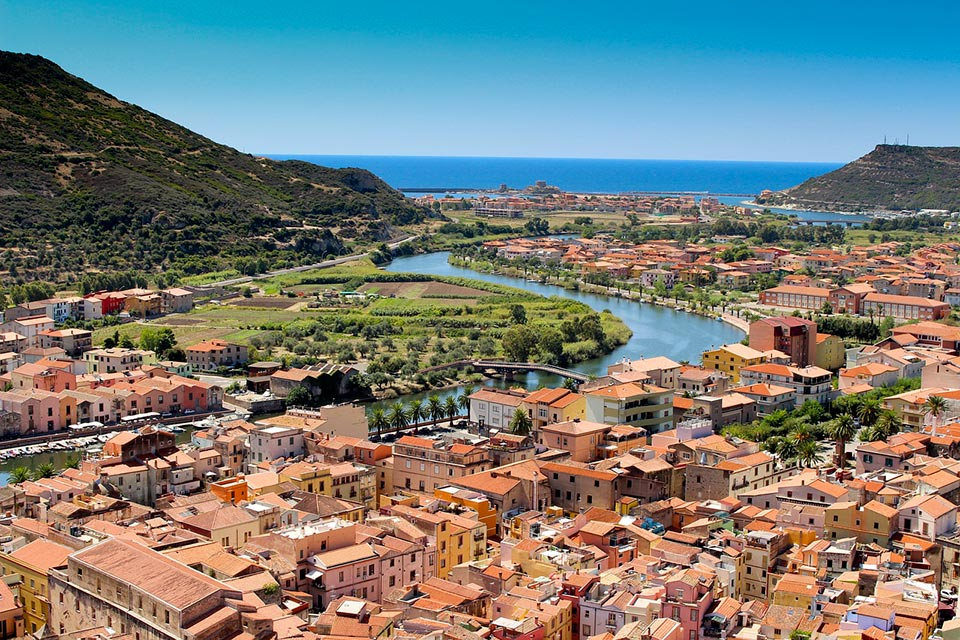 Die Stadt Boas zwischen dem Fluss Temo und dem Mittelmeer